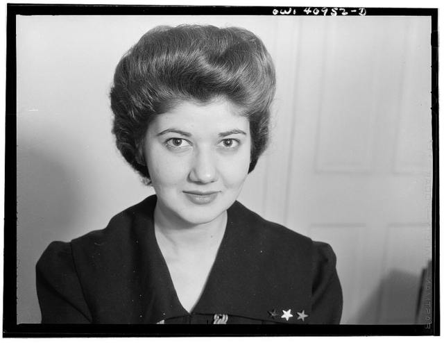 Washington, D.C. A hostess at the opening of the Washington labor canteen, sponsored by the United Federal Workers of American, Congress of Industrial Organizations (CIO)