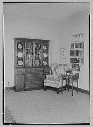 Allied Stores. Manor house, setup I
