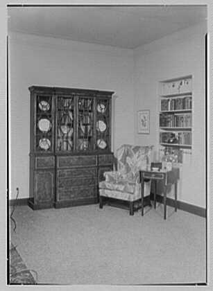 Allied Stores. Manor house, setup III