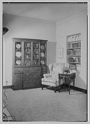 Allied Stores. Manor house, setup IV
