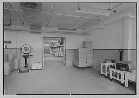Hoffmann-LaRoche, Nutley, New Jersey. Vitamin C packing room II