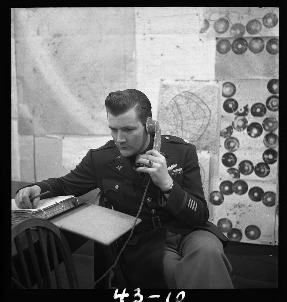 Lt. Ralph L. Oliver of Santa Rosa, Calif., bomber controller