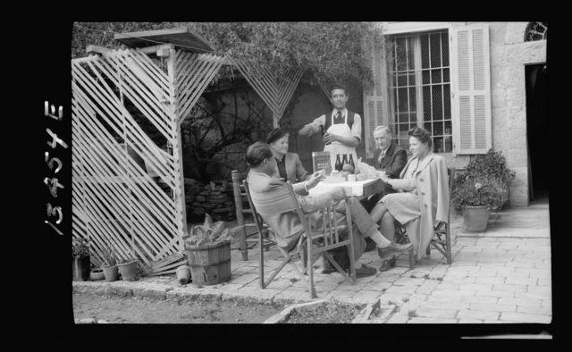 Family films, the Dechards