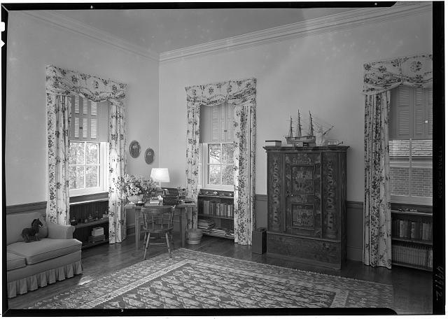 Paul Mellon, residence in Upperville, Virginia. Daughter's room, to chest