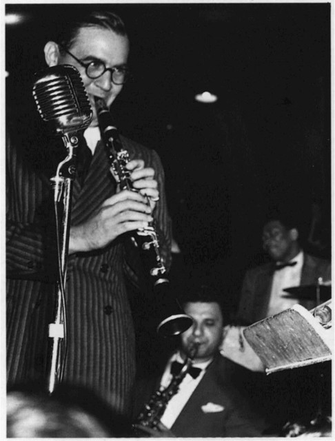 [Portrait of Benny Goodman, Sid Catlett, and Vido Musso, 400 Restaurant(?), New York, N.Y., between 1946 and 1948]