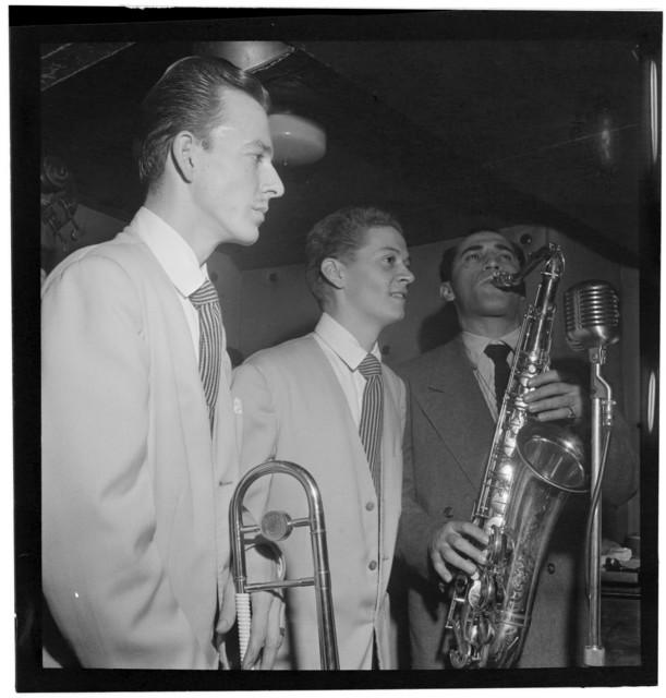 [Portrait of Buddy Stewart, Three Deuces(?), New York, N.Y., between 1946 and 1948]