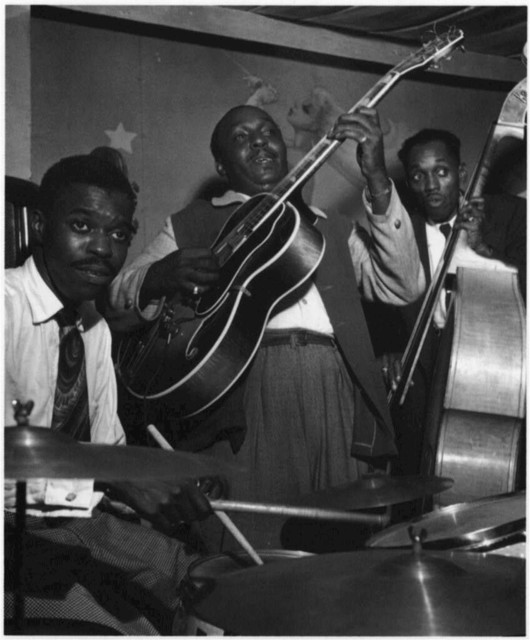 [Portrait of Denzil Best, Al Casey, and John (O.) Levy, Pied Piper, New York, N.Y., between 1946 and 1948]