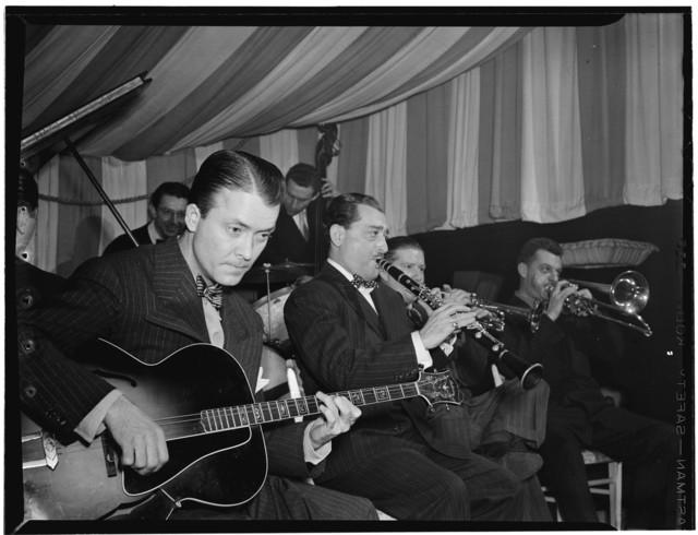 [Portrait of Eddie Condon, Tony Parenti, Wild Bill Davison, (Arthur) Brad (Bradford) Gowans, Jack Lesberg, and Freddie Ohms, Eddie Condon's, New York, N.Y., ca. June 1946]