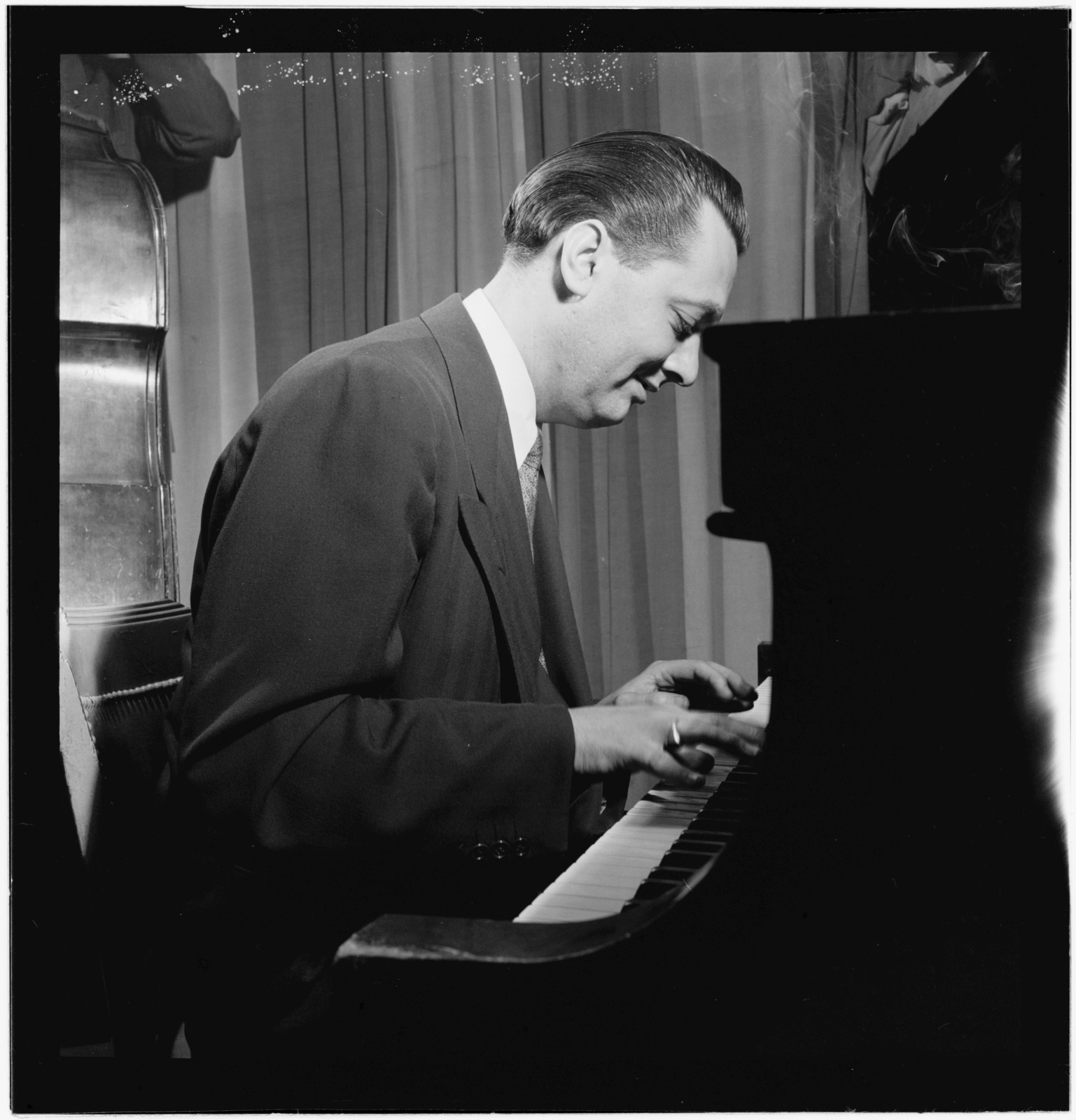 [Portrait of Gene Schroeder, Eddie Condon's, New York, N.Y., between 1946 and 1948]