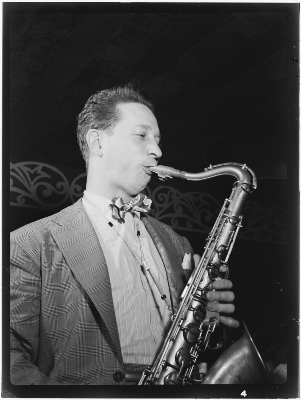 [Portrait of Sam Donahue, Aquarium, New York, N.Y., ca. Dec. 1946]