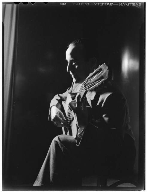 [Portrait of Vincente Gomez, Café Society Uptown(?), New York, N.Y., ca. June 1946]