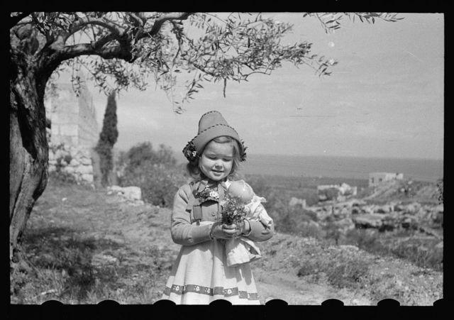 [Tripoli. Family films, the Dechards]