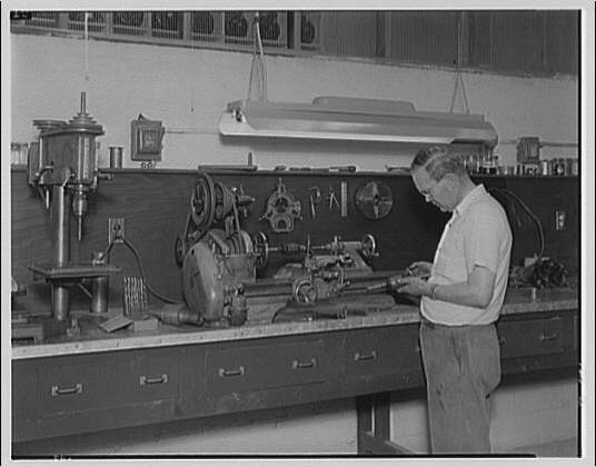Griffith Consumers Co. Service department machine shop for Griffith Consumers Co.