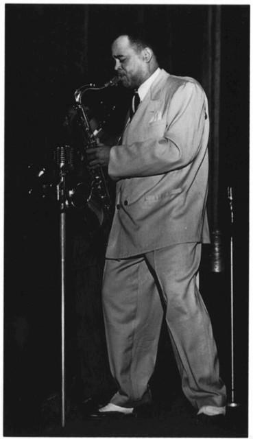 [Portrait of Arnett Cobb and Walter Buchanan, Apollo Theatre, New York, N.Y., ca. Aug. 1947]