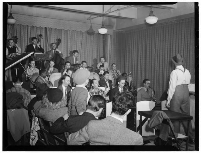 [Portrait of Brick Fleagle and Sandy Williams, Nola's, New York, N.Y., ca. Feb. 1947]