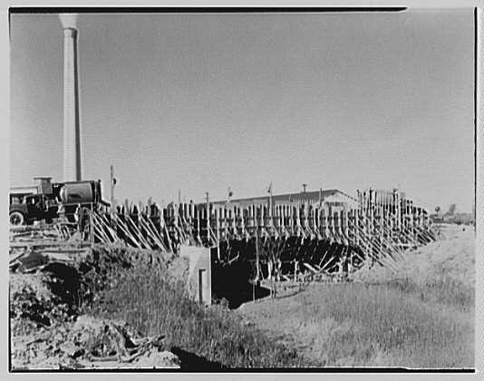 Hoffmann-LaRoche, Nutley, New Jersey. Bridge under construction