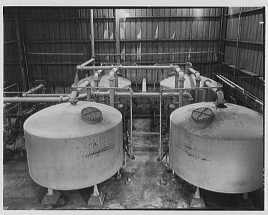 Dominion Alkali & Chemical Co., Ltd., Beaunhois [i.e. Beauharnois], Canada. Brine filters