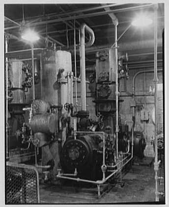 Dominion Alkali & Chemical Co., Ltd., Beaunhois [i.e. Beauharnois], Canada. Close-up of compressor