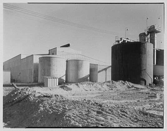 Dominion Alkali & Chemical Co., Ltd., Beaunhois [i.e. Beauharnois], Canada. Exterior I