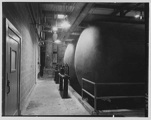 Dominion Alkali & Chemical Co., Ltd., Beaunhois [i.e. Beauharnois], Canada. Tanks and scales