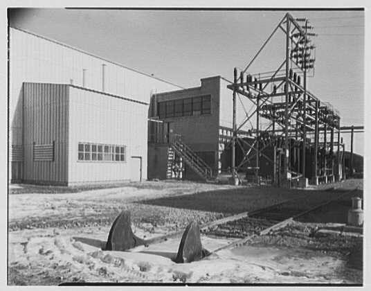 Dominion Alkali & Chemical Co., Ltd., Beaunhois [i.e. Beauharnois], Canada. Transformers exterior