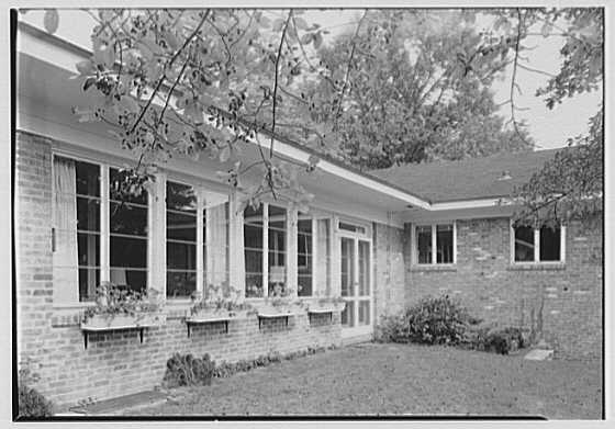 William J. Schultze, residence at 32 Parsonage Hill Rd., Short Hills, New Jersey. Exterior