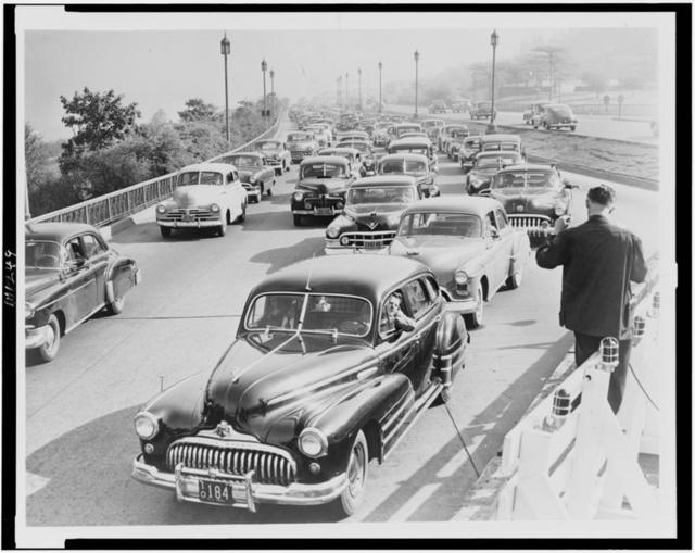 [Road construction delays traffic on West Side Highway, at 79th Street, New York City, during rush hour] / World Telegram photo by Al Ravenna.