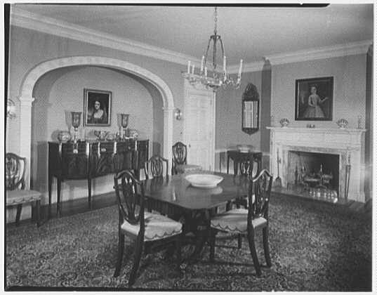 Michael Taradash, residence in Ardsley-on-Hudson, New York. Dining room, to niche