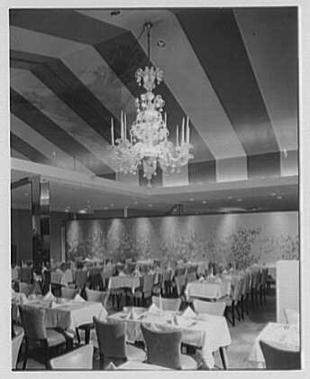 Candlelight Restaurant, Central Ave., Yonkers, New York. Big room II