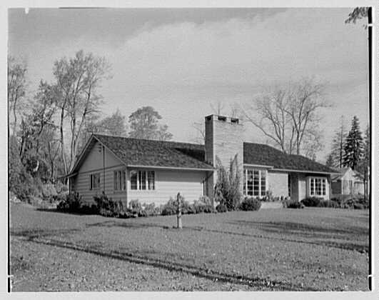 Joseph Lieberman, residence on Parsonage Hill Rd., Short Hills, New Jersey. Entrance facade II
