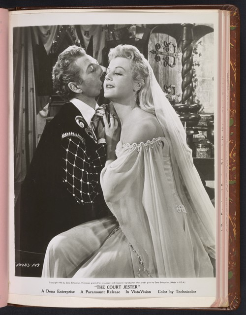 "[ Danny Kaye kissing Angela Lansbury - scene from ""The Court Jester""]"