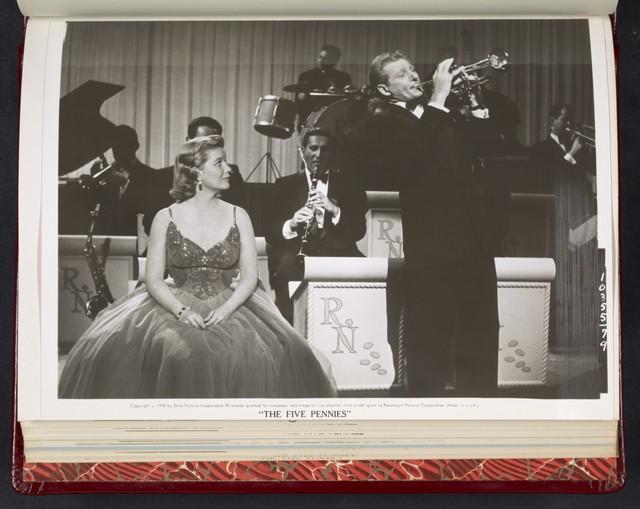 "[ Barbara Bel Geddes watches Danny Kaye and band perform - scene from ""The Five Pennies""]"