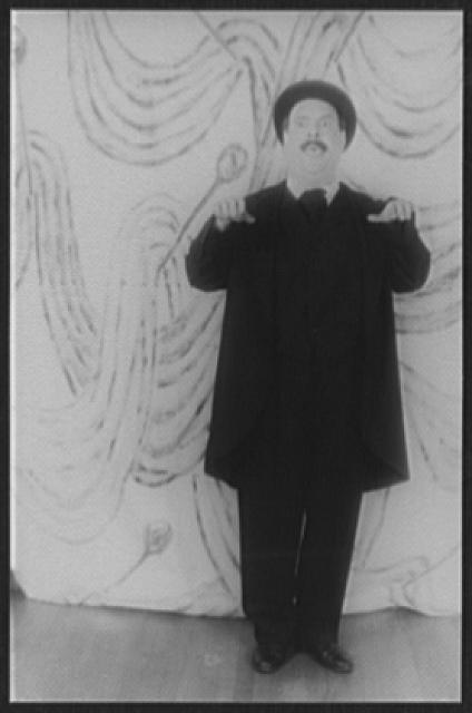[Portrait of Zero Mostel, as Leopold Bloom in Ulysses in Night [...]]
