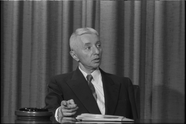 [Rear Admiral Hyman G. Rickover, half-length portrait, seated, facing slightly right, during an interview at the U.S. News and World Report conference room ]