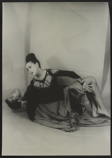 [Portrait of Martha Graham and Bertram Ross, as Clytemenestra and Orestes]