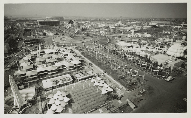 [Aeriel view of unisphere and other exhibits at New York world's fair] / World Telegram & Sun photo by Roger Higgins.