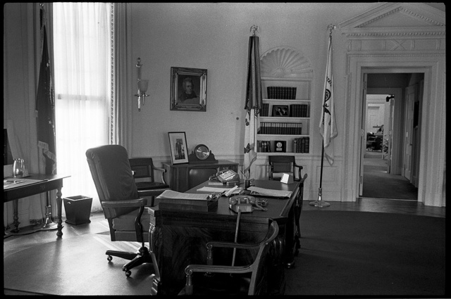 [Side view of desk and chair in the Oval Office in the White House, Washington, D.C.] / MST.