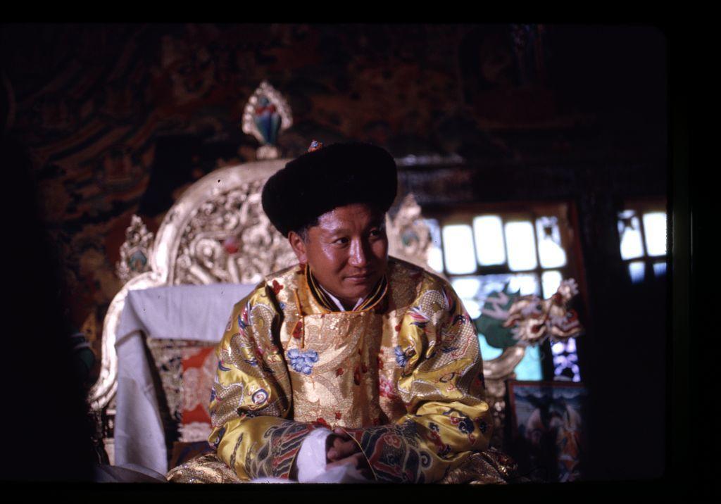 Coronation 1965, the King on throne