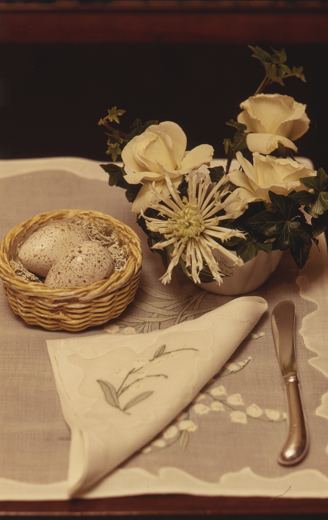 [Guest's breakfast tray with bird's egg salt and pepper shakers, napkin and bouquet of flowers, at Ann Bonfoey Taylor's home, Colorado]