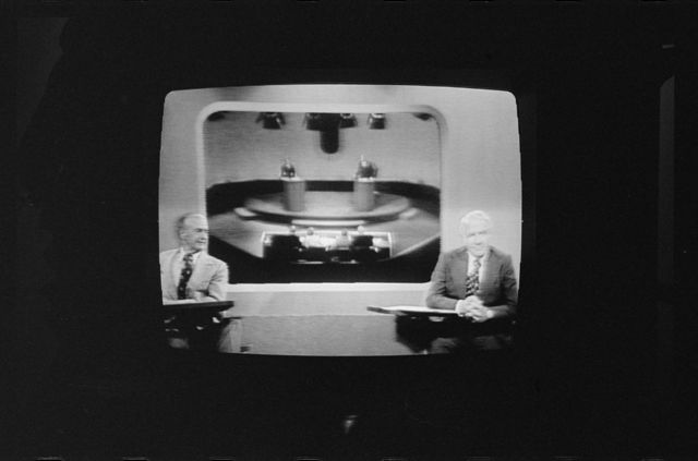 [Howard K. Smith and Harry Reasoner on television during 1st presidential debate]