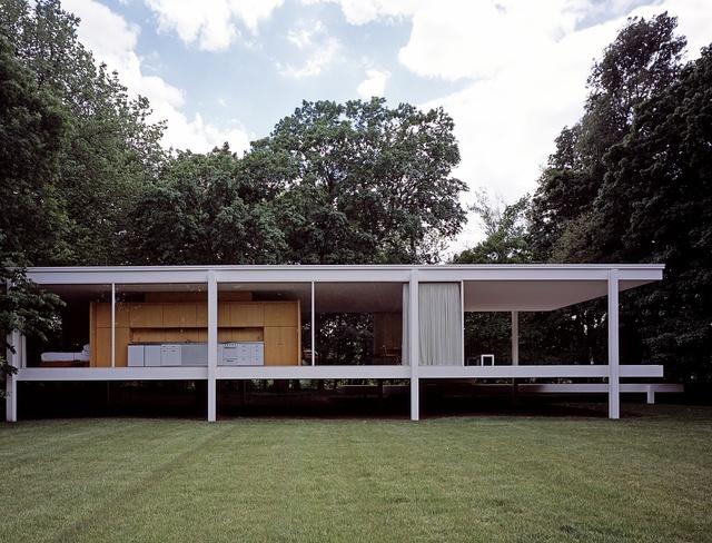 Architect Mies van der Rohe's iconic Farnsworth House, Plano, Illinois