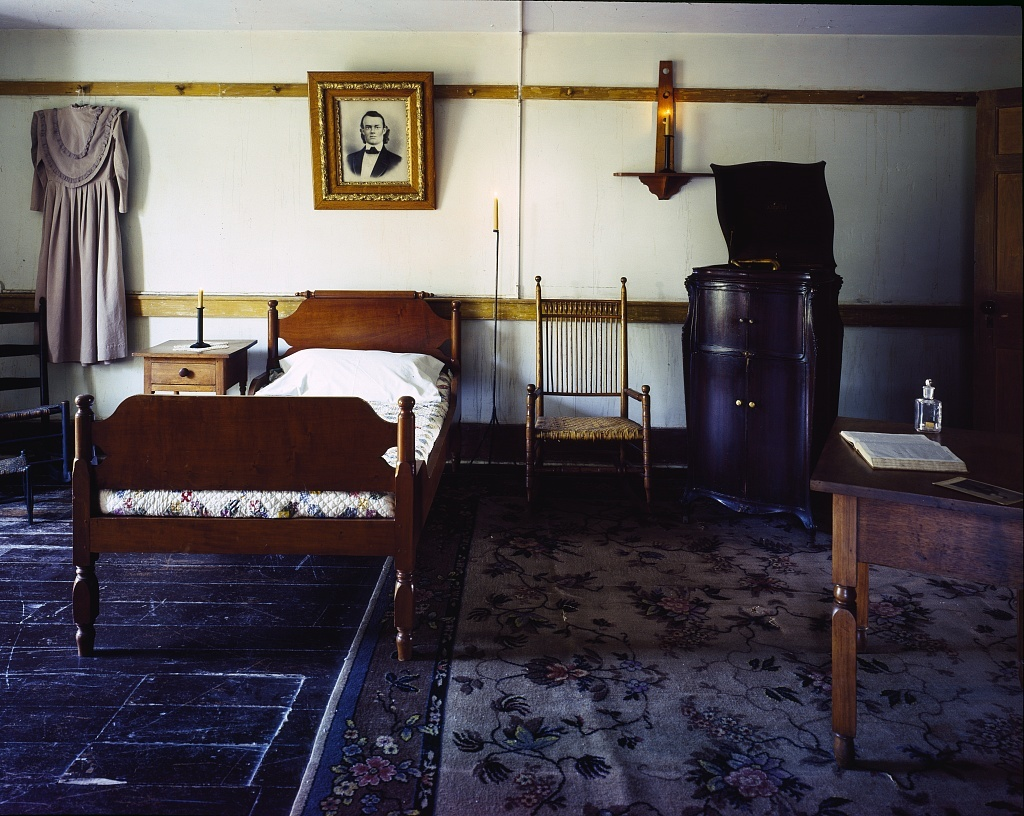 Bedroom at Shakertown, a Shaker settlement in Kentucky