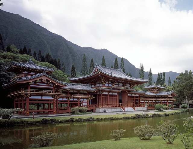 Byodo-In Temple in the Valley of the Temples below the Ko'olau Mountains on Hawaii's Oahu Island