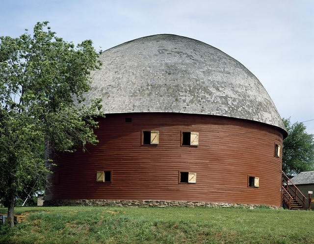 Round barn on US Route 66 in Arcadia, Oklahoma