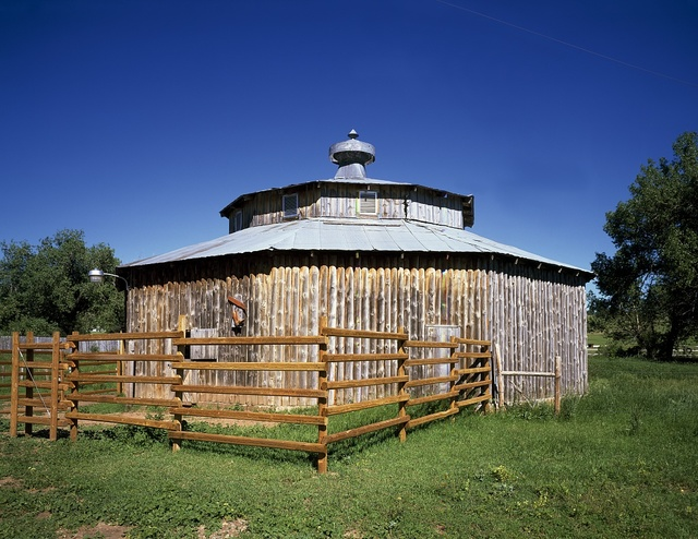 Ten-sided stockade barn, Sturgis, South Dakota