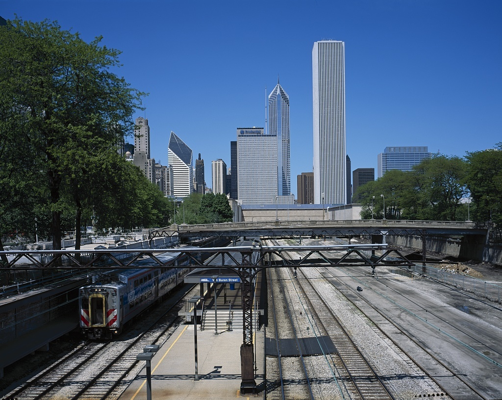 Train comes into the Metra Station in Chicago, Illinois