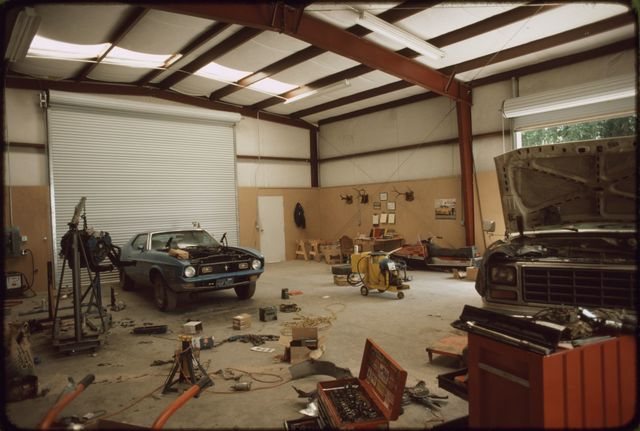 Interior of Stew's Farm and Automotive