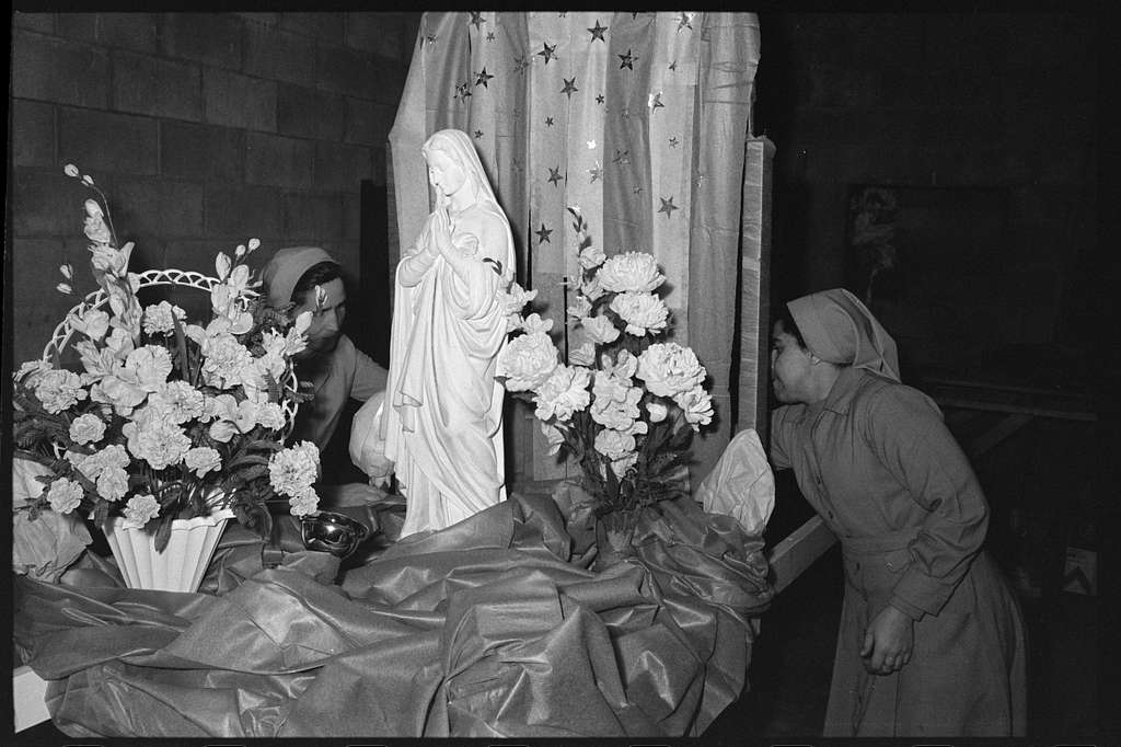 Oblate Hispanic Mission procession, Lowell, Massachusetts