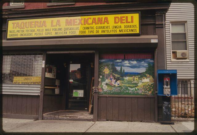 Taqueria la Mexicana Deli.