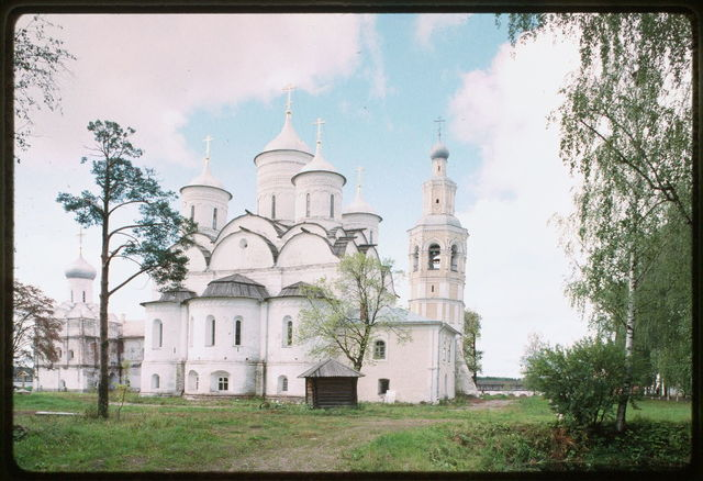Savior-Prilutskii Monastery, Cathedral of the Savior (1537-42), east view, with bell tower and Refectory Church of the Presentation (1545-49), Vologda, Russia